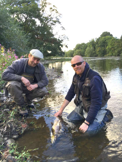 Ryan Saxon and Joe Gooch showing good catch and release practice with a 10lb fish caught from the              Gravel Catch of the Rectory on 12th September. The fish went back stongly, as the photo below shows!!