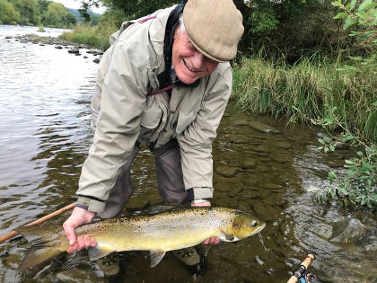 A 33inch salmon to Stephen Morely from the Spreadeagle beat (upper Wye) on the 16th Sept.